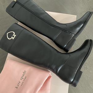 Women's shoes size 5.5 for Sale in Las Vegas, NV