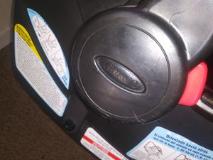 Graco carseat/base for Sale in Fresno, CA
