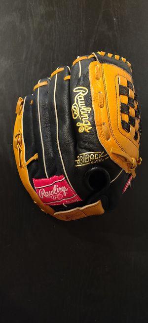 Rawlings baseball glove for Sale in Lawrenceville, GA