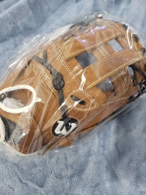 Wilson A900 catchers glove for Sale in Hillsboro, OR