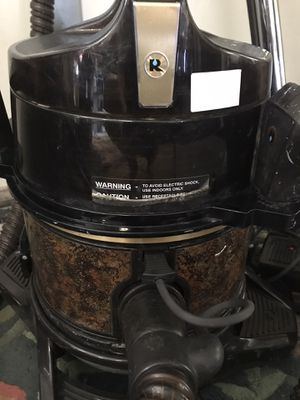 Rainbow SE VACUM CLEANER for Sale in Enola, PA