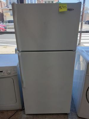 Whirlpool Refrigerator for Sale in Philadelphia, PA