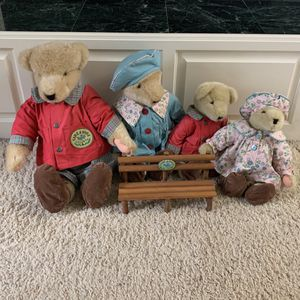 Muffy Vanderbear Family - 1982 Retired - Take A Hike Society for Sale in Graham, WA