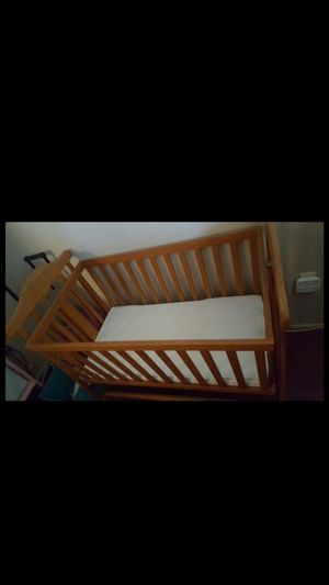 Baby Crib / bassinet for Sale in La Habra Heights, CA