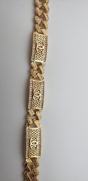 Gold color women's bracelet.. available yes shipping here for Sale in Bakersfield, CA