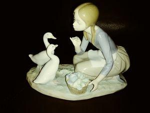 Lladro figurine for Sale in Miami, FL