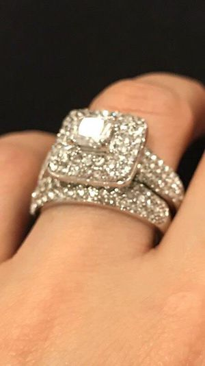 😍 ON SALE 😍 😍💍Stamped 925 Sterling Silver Engagement/Wedding Ring Set for Sale in Dallas, TX
