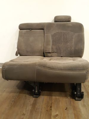 2001 Chevy Suburban 1500 Conjoined Middle Seat for Sale in Beaumont, CA