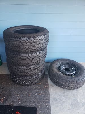 275/65R18 tires plus spare. Off my 2018 Toyota tundra for Sale in Carnation, WA