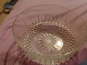 Arcoroc XL crystal salad bowl.mint condition for Sale in Gaston, SC