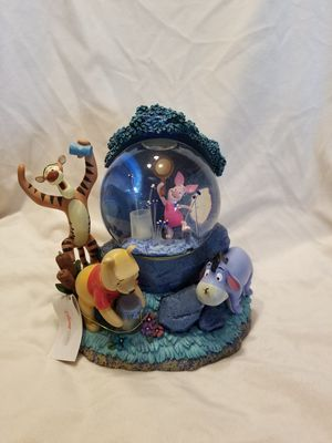 Pooh fireflies snow globe for Sale in Auburn, WA