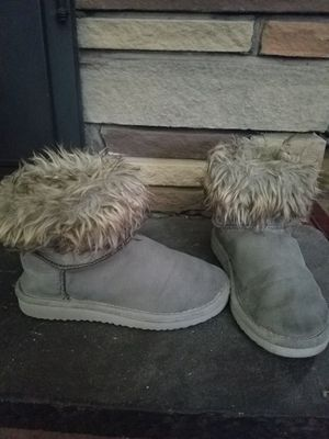 Girls size 13 boots for Sale in S ABINGTN Township, PA