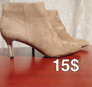 via spiga ankle booties Beige size 8.5M for Sale in Santa Ana, CA