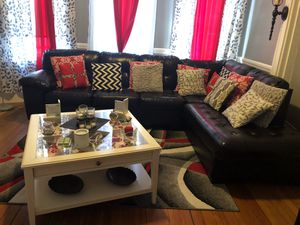 Sectional living room black with coffee table and 2 lamps for Sale in DORCHESTR CTR, MA