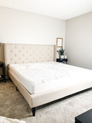 Upholstery bed King Size for Sale in La Puente, CA