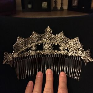 Beautiful Tiara for Sale in Scottsdale, AZ