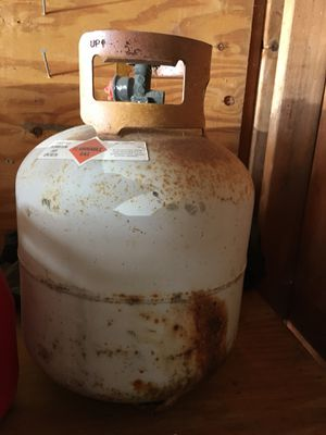 Old propane tank (free) for Sale in Grosse Pointe Woods, MI