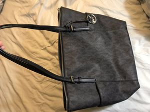Authentic Michael Kors Jet Set Logo ZIP up Tote for Sale in Fort Washington, MD