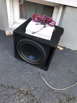 Subwoofer/amp/ flip out radio for Sale in Elgin, IL