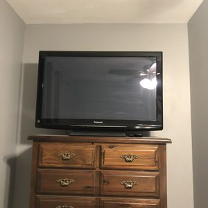 42 inch plasma Panasonic tv for Sale in Comstock Park, MI