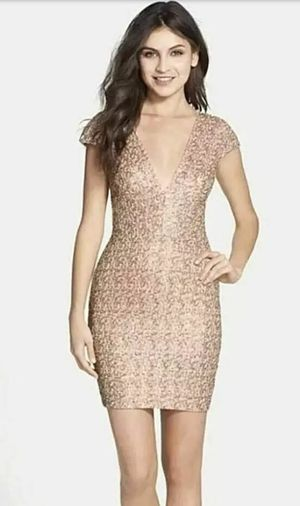 NWT Dress The Population Zoe Plunging Body Con Cap Sleeve Sequin Mini Dress Size S for Sale in Riverside, CA