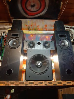 Klipsch 5.1 speaker setup plus a 12 inch M&K V-75 powered subwooder for Sale in Federal Way, WA