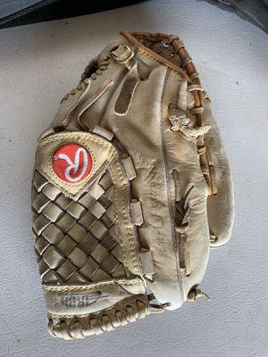 Rawlings Softball Glove RBG4 for Sale in Hesperia, CA