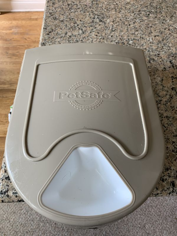 Automatic 5 meal pet feeder