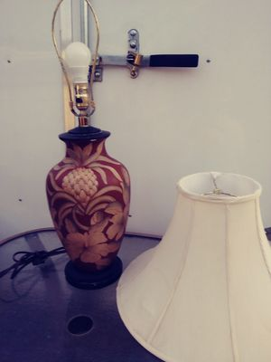 Asian style table lamp with shade. Maroon and ivory for Sale in Fort Myers, FL