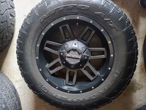 "Wheels and tires 265/65r17"" 6 lug Chevy Tahoe Yukon suburban Silverado escalade avalanche gmc 6 lug universal 6x6,5 or 6x6,75 for Sale in Riverside, CA"