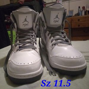 Like New Jordan Flight. Gently used but super clean. Sz 11.5 for Sale in Glen Burnie, MD