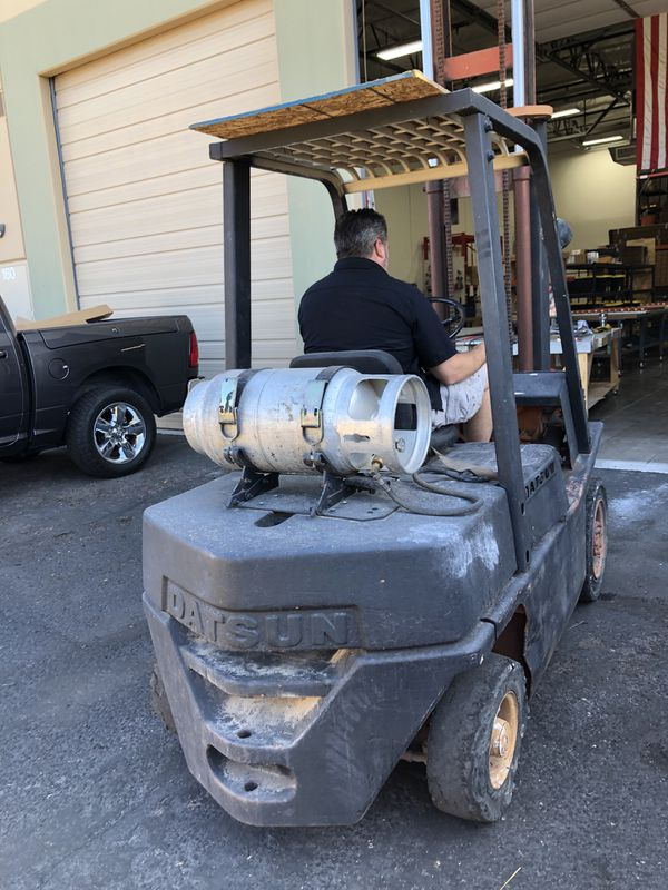 Datsun forklift 5000lb capacity 12' height