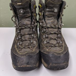 Lowa Ticam Backpacking Boots for Sale in Seattle, WA