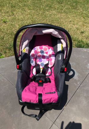 Graco Baby Car Seat for Sale in Hillsborough, NC