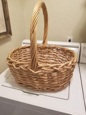 Large Basket for Sale in Alta Loma, CA