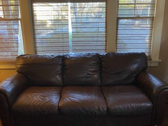 Free Couch And Chair for Sale in Long Beach,  CA