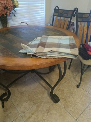 Table and 4 chairs for Sale in Grand Prairie, TX