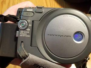 Sony DCR-DVD301 MiniDVD Video Handicam Kit for Sale in San Diego, CA