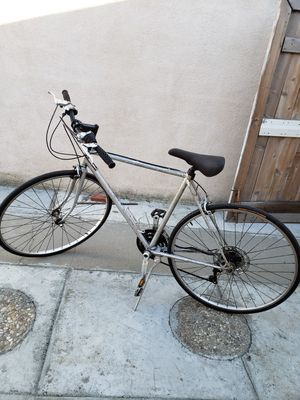 Schwinn Quality road bicycle. for Sale in Los Angeles, CA