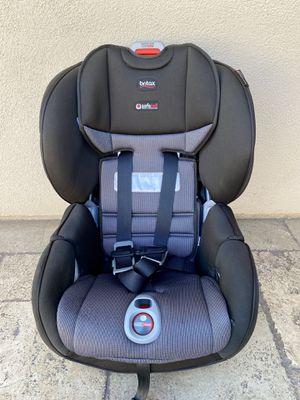 PRACTICALLY NEW BRITAX SAFE CELL CONVERTIBLE CAR SEAT!! for Sale in San Bernardino, CA