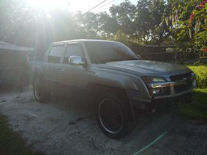 2002 chevy avalanche for Sale in Tampa, FL