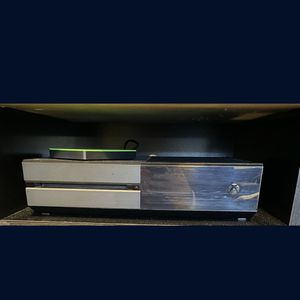 Xbox One 500G W/Controller for Sale in Miami, FL
