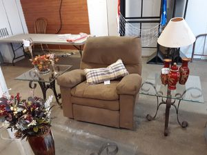 Chair for Sale in Mandan, ND