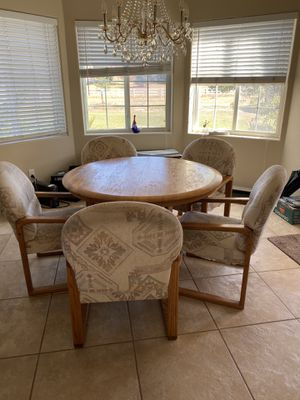 Kitchen Table with expandable insert and 5 plush chairs for Sale in Aurora, CO