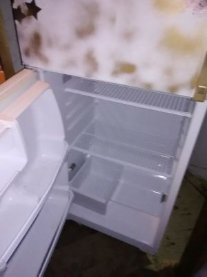 Refrigerator works great just needs painted for Sale in Richlands, VA