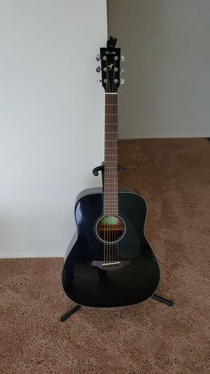 Yamaha acoustic guitar for Sale in Dearborn, MI