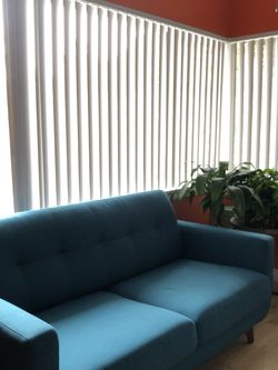 Living Spaces Couch (Like New!) for Sale in Los Angeles, CA