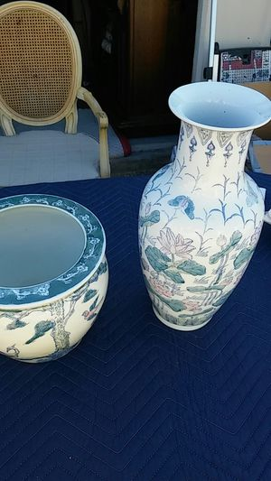 2 - Floral urns very nice pieces. for Sale in Plano, TX