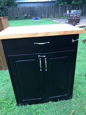 Small cabinet for Sale in Killeen, TX