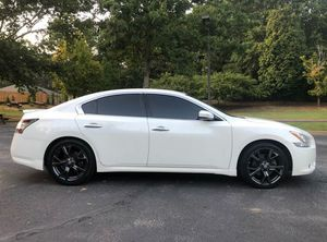 Good Tiress 2010 Nissan Maxima 2WDWheels! for Sale in Washington, DC